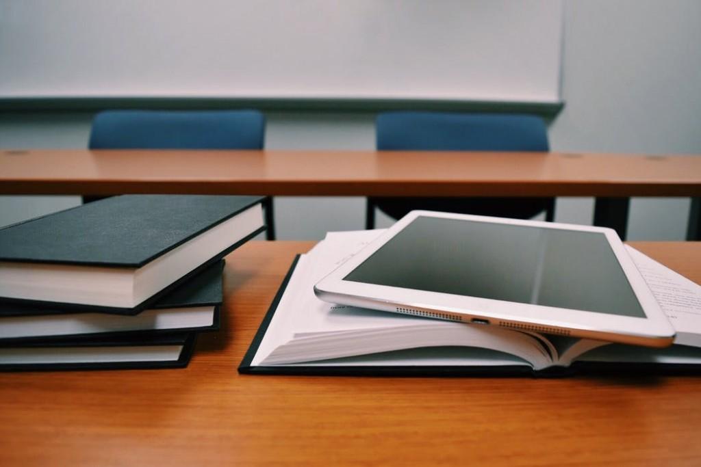 360284b946b28c Ochrona danych osobowych w szkołach i placówkach oświatowych - poradnik